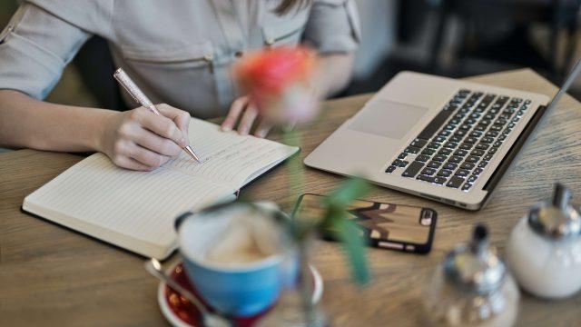 SEO : pourquoi optimiser vos contenus pour répondre aux questions des internautes ?